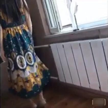 Tante Muda Punya Memek Bentuk Kue Lapis Lagi Sange