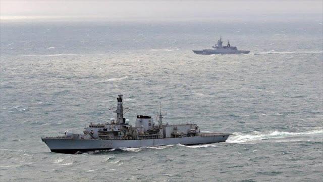Armada del Reino Unido envía fragata para escoltar naves rusas