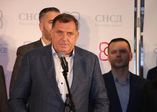 La Bosnia dovrebbe riconoscere la Crimea come russa, afferma Dodik
