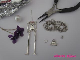 scheletro in metallo bambolina