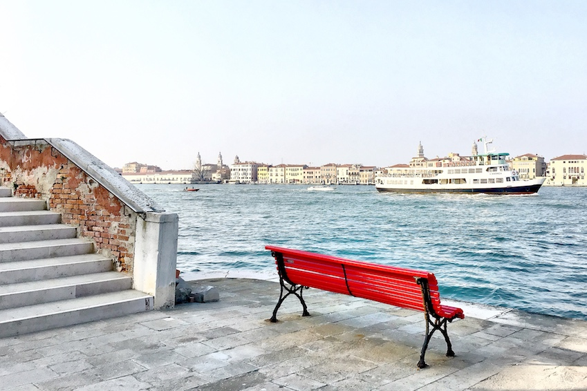 Venedig_Giudecca_roteBank