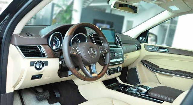 Nội thất Mercedes GLS 500 4MATIC 2017 được thiết kế sang trọng và đẳng cấp