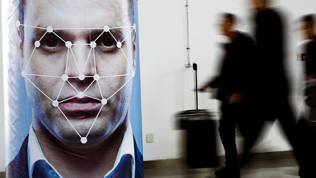 """A lo """"Black Mirror"""": Pekín otorgará créditos sociales a todos sus residentes en 2020"""