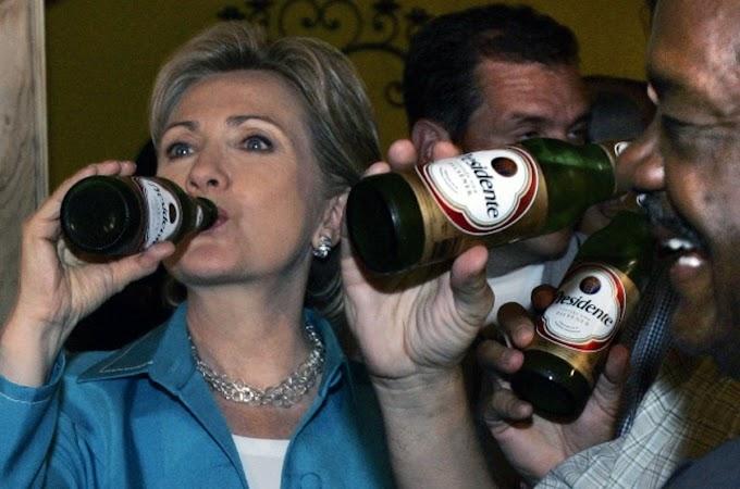 Republicanos usan foto de Hillary bebiendo cerveza Presidente para atacar su campaña