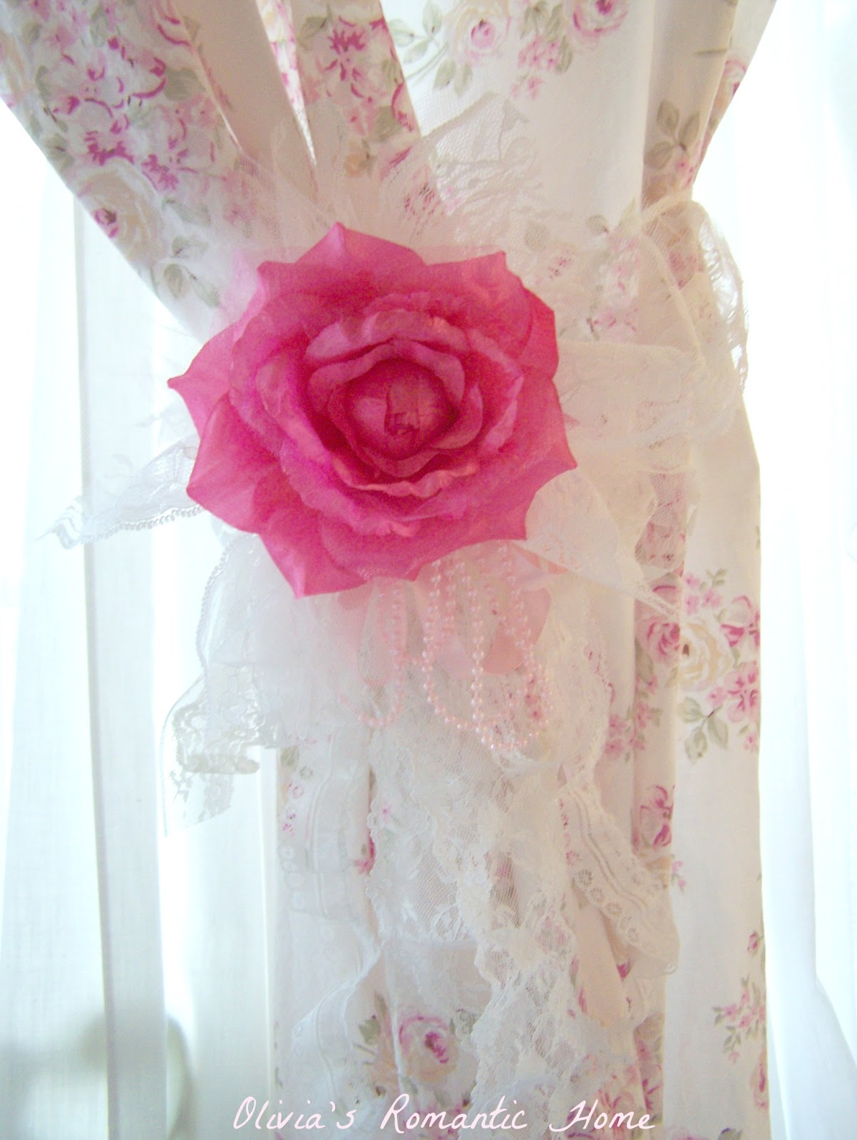 Pink Shabby Chic Dresser: Olivia's Romantic Home: Shabby Chic Rose Curtains