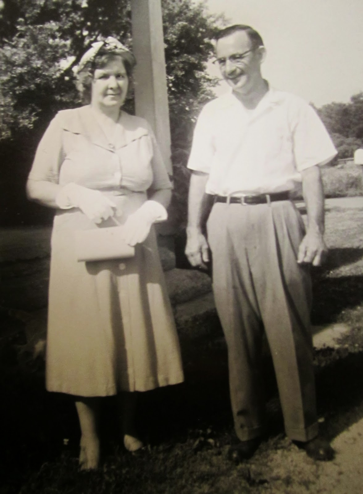 "Climbing My Family Tree: Anna Mae (Bennett) & Owen ""Carl"" Henn - early to mid 1950's"