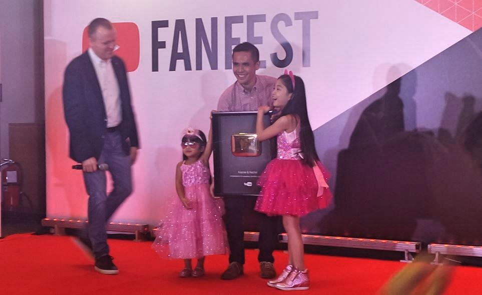 Kiddie YouTubers Kaycee and Rachel receive their Gold Play Button Award.
