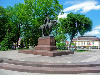 Галич. Майдан Різдва. Пам'ятник Данилу Галицькому