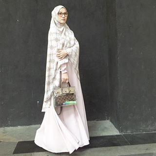 Artis Indonesia Yang Berhijab