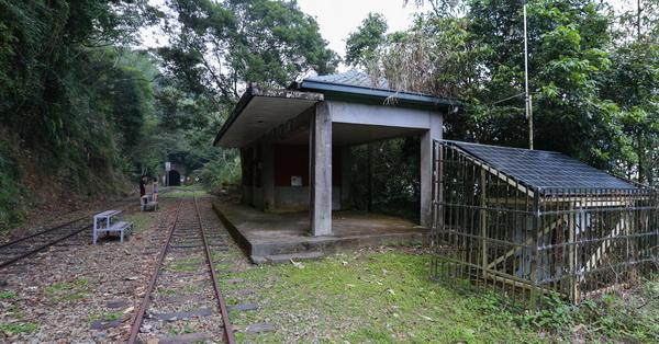 嘉義梅山|梨園寮火車站|阿里山森林鐵路|海拔904公尺|無人看管的招呼站
