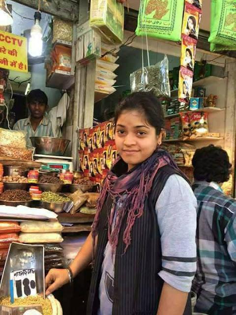 Articles in Hindi- हिना ट्रेडर्स- क्या है इस छोटी सी दुकान का सच