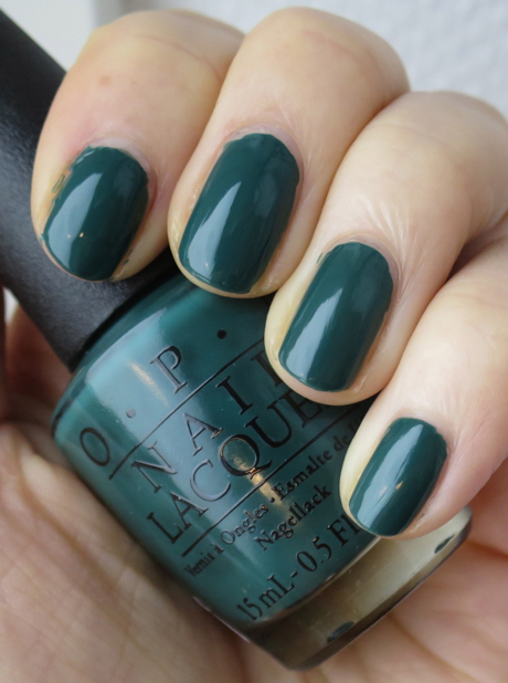 43fbc3559efa Till veckans gröna onsdag hos Karin på Vacker & Underbar bjuder jag på en  av mina absoluta favoritfärger, mörkgrönt. Lacket ni ser är Stay Off the  Lawn!! ...