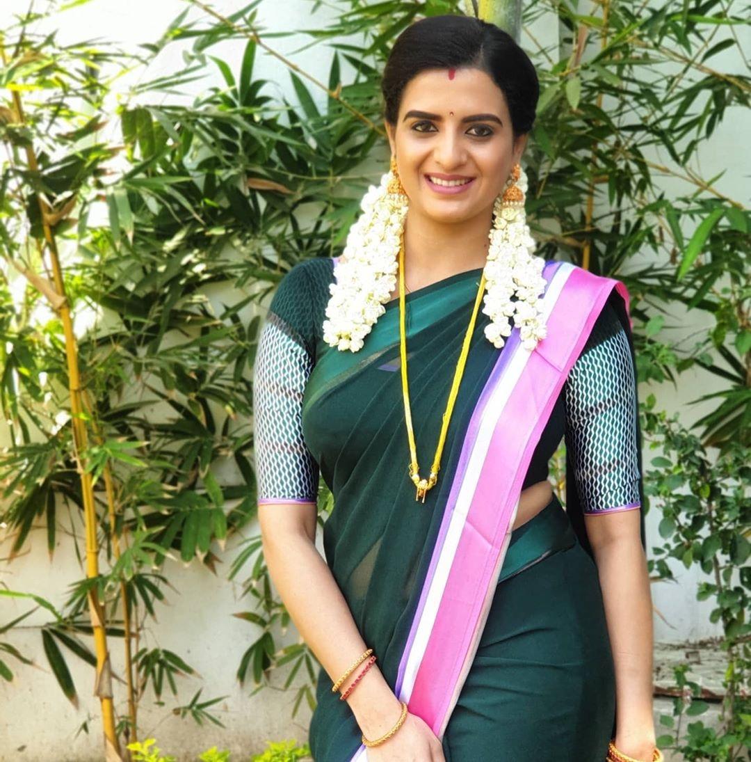 Naam Iruvar Namakku Iruvar serial Actress Thamarai (Rashmi Jayraj) Stills
