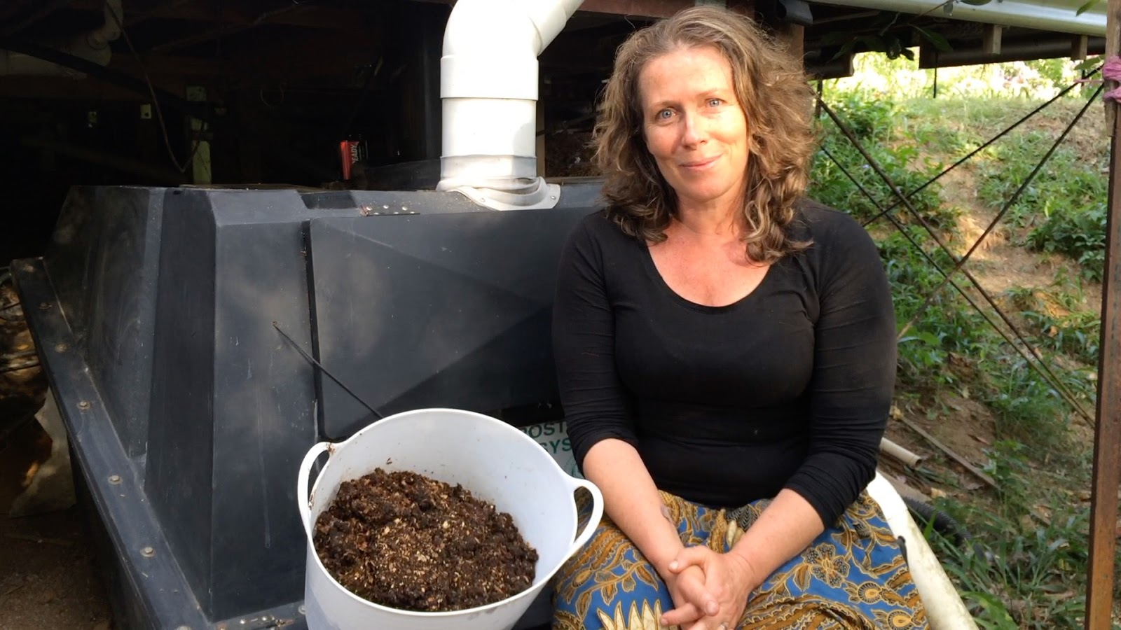 Our Permaculture Life My Toilet Makes Compost No Water