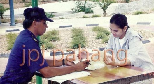 Siti Nurhaliza Ambil Lesen Memandu