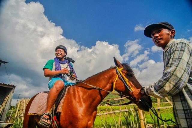 Berkuda Kafe Sawah Pujon Kidul Malang