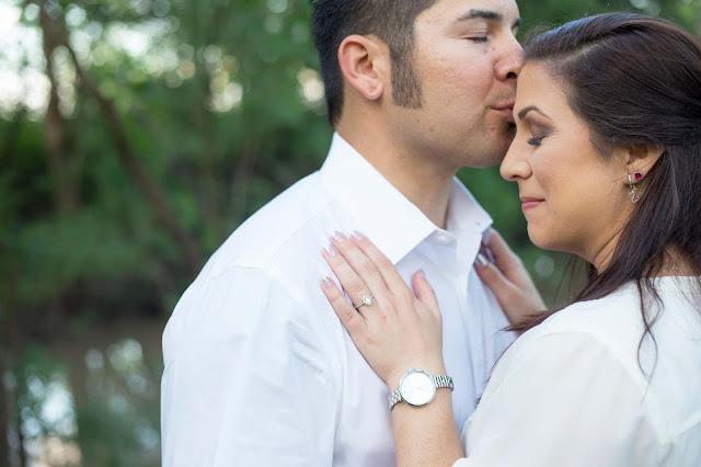Houston Wedding Photographer, The Caney House, Texas Bride, San Antonio Wedding Photographer, Engagement Posing Ideas