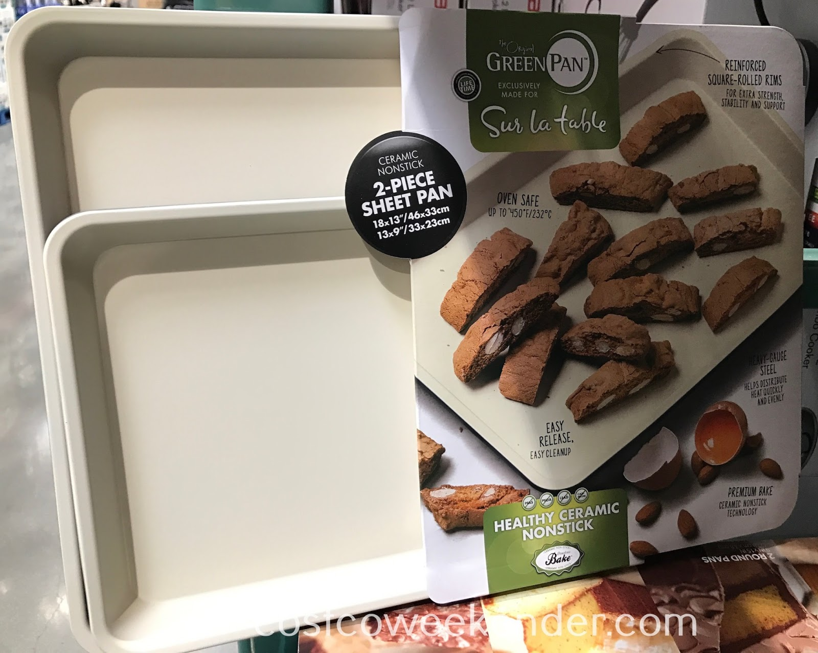 Cook delicious food and get premium results with the GreenPan 2-piece Sheet Pan Set