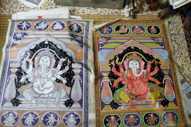 Lovely paintings of Ganesha created in Tusser Silk by the Artisans of Raghurajpur