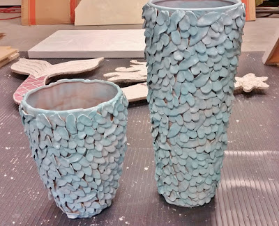 how to paint ceramic pieces with spray paint