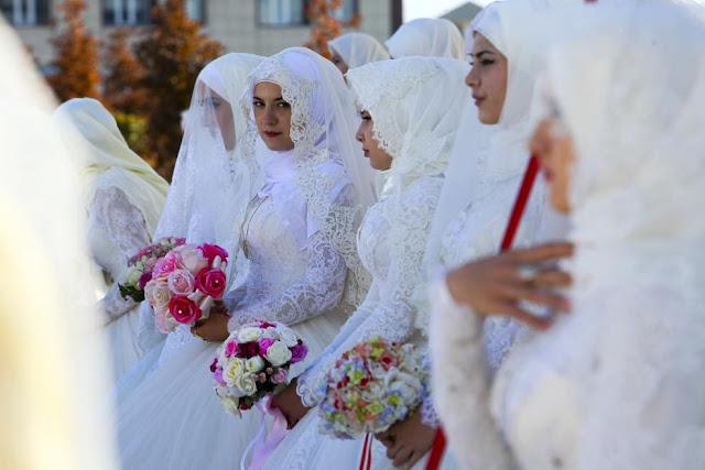 Чеченські наречені на церемонії масового шлюбу у Грозному