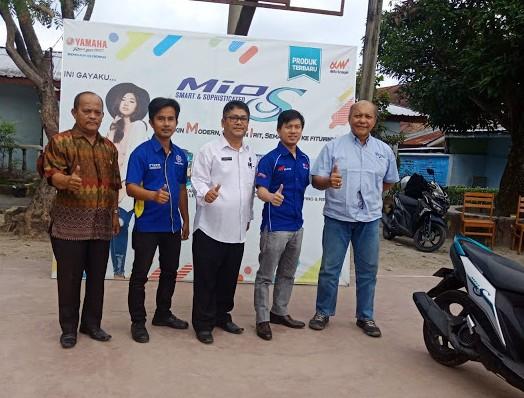 Kepala sekolah SMK GKPI 1 Pematangsiantar T.Hotlion Sihombing SSi, MM mengadakan kerjasama (MOU) dengan pimpinan PT. Alfa Scorpio - Medan