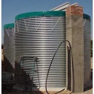 Agua a presión para limpieza de tuberías