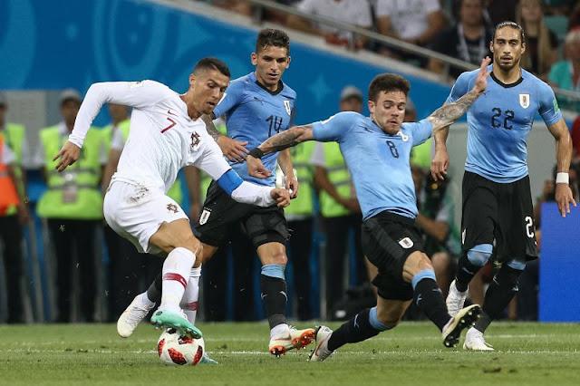 c6560ef7165db Seleção Nacional de Futebol - Uruguais 2 vs Portugal 1 - Depois da  eliminação da Argentina de Messi