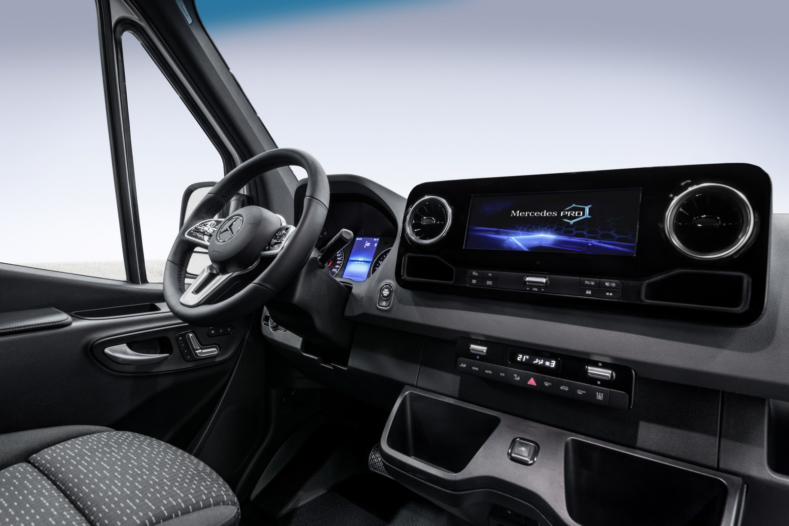 Интерьер Mercedes Sprinter 2018