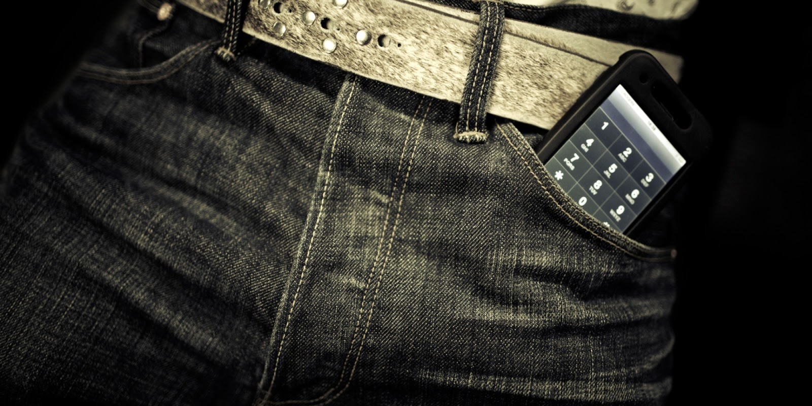Why men shouldn't put their phones inside their pockets?