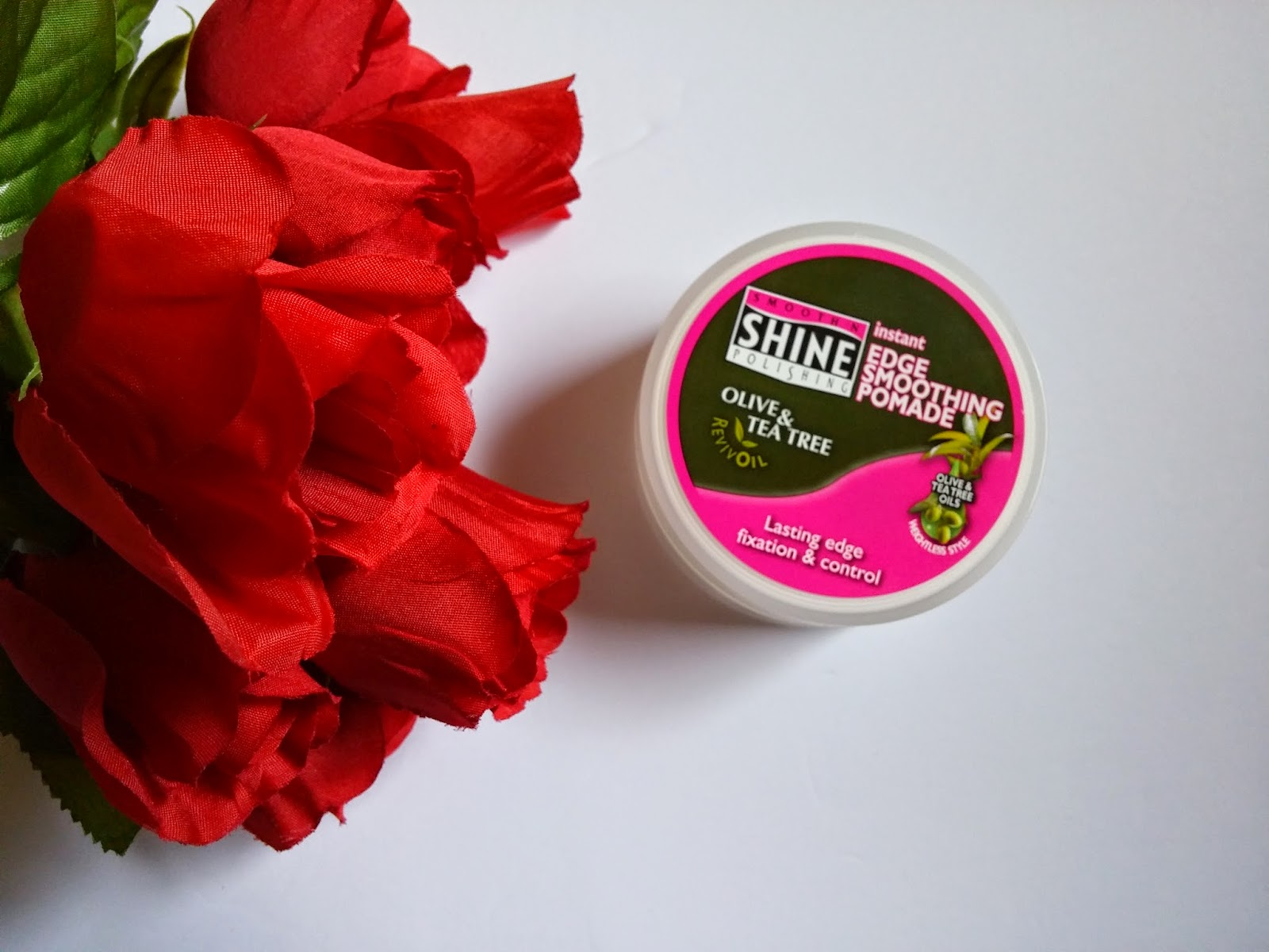instant edge smoothing pomade