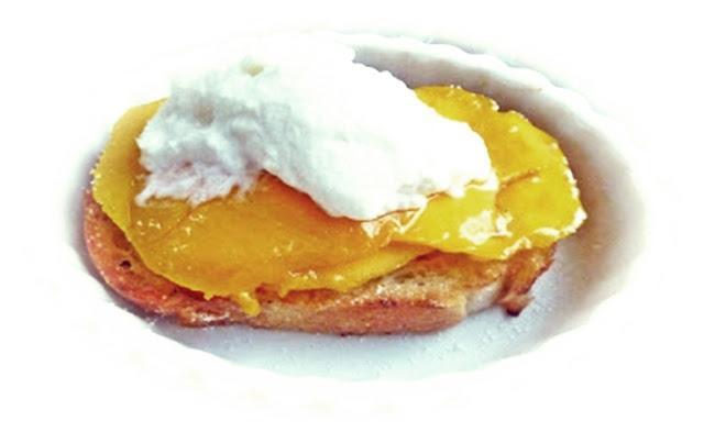 mangoes-on-toast