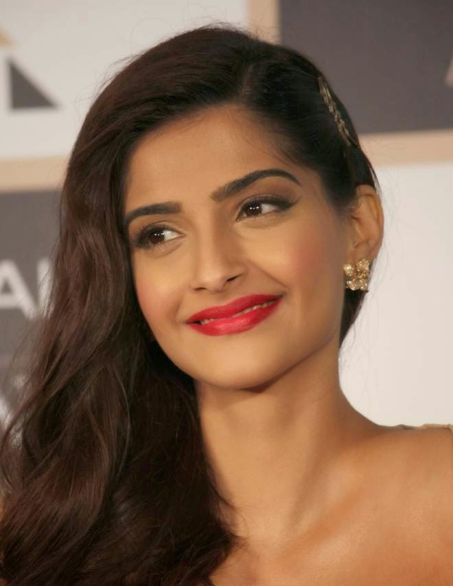 sonam kapoor latest stills