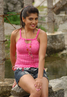 lovely India girl  pic. hot girl pic, charming girl  pic, cute college girl pic