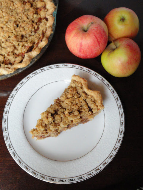 Easy to make Caramely Apple Pie With Crunch Topping is the perfect addition to the Thanksgiving or Christmas dessert table.