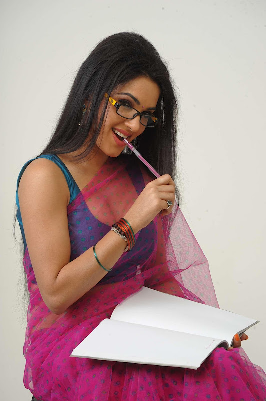 Sorry Teacher Movie Sexy Removing Saree Pics  Star -7091