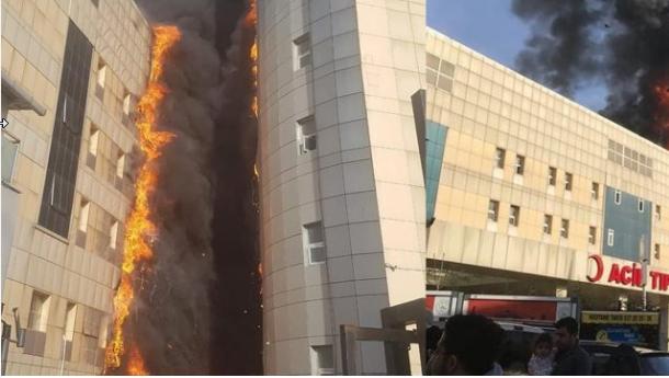 İstanbul'da bir hastanede büyük yangın
