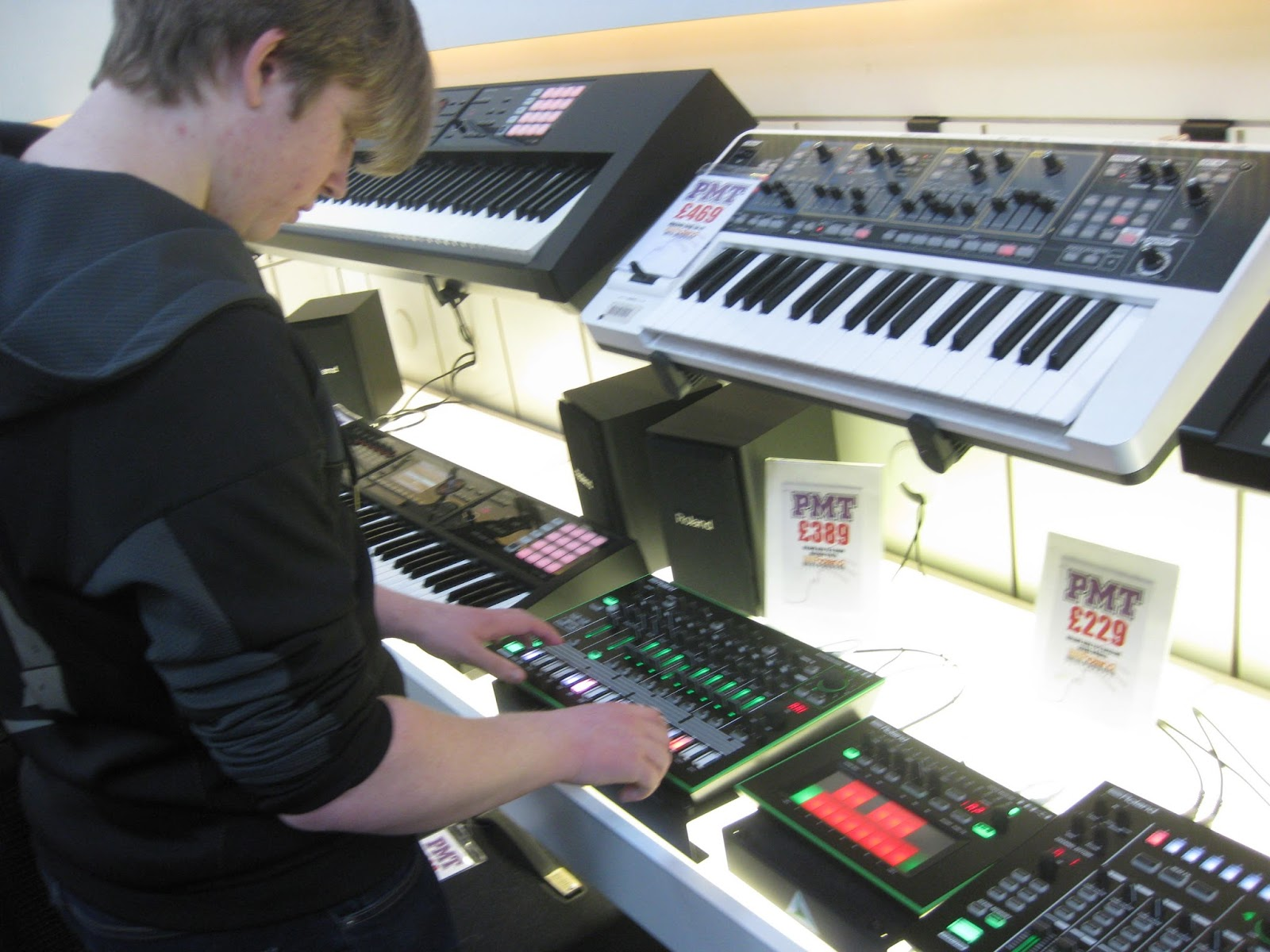 music technology coursework The music technology program offers courses for students who wish to earn a certificate or an associate degree in music technology or who plan on transferring as a music major to a four-year institution.