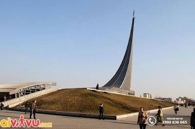 """Tượng đài """"Chinh Phục vũ trụ"""" nổi tiếng tại Nga."""