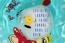 http://www.maman-clementine.com/2015/04/les-oeufs-surprise-faire-fondre-dans-le.html