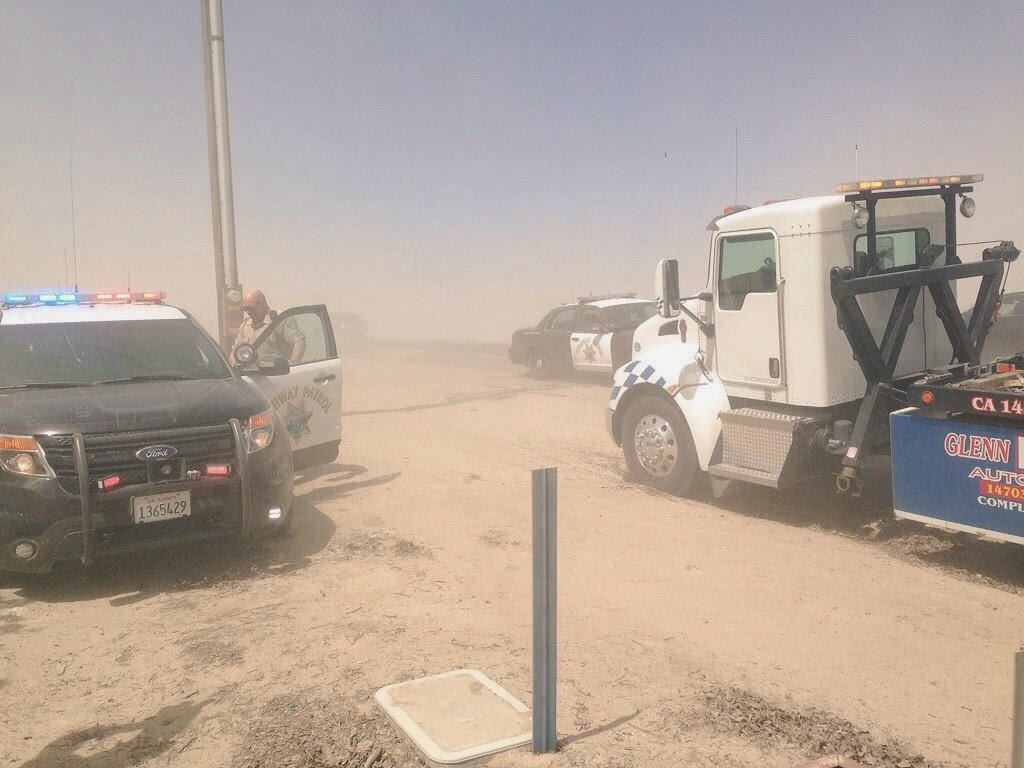 fresno county blowing dust highway 180 napa avenue pileup car crash