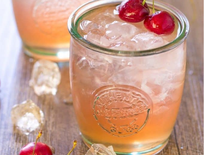 cherry lime bourbon smash #cocktail #recipedrinks