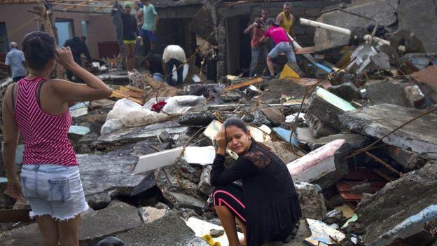 El poderoso huracán Matthew deja un rastro de devastación en el este de Cuba y tiene a Florida en alerta