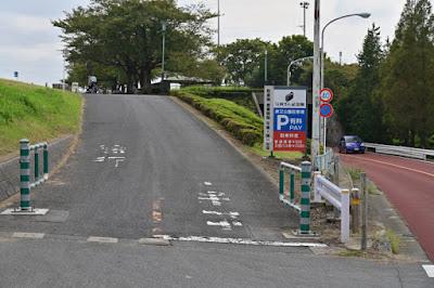 柴又公園駐車場広場