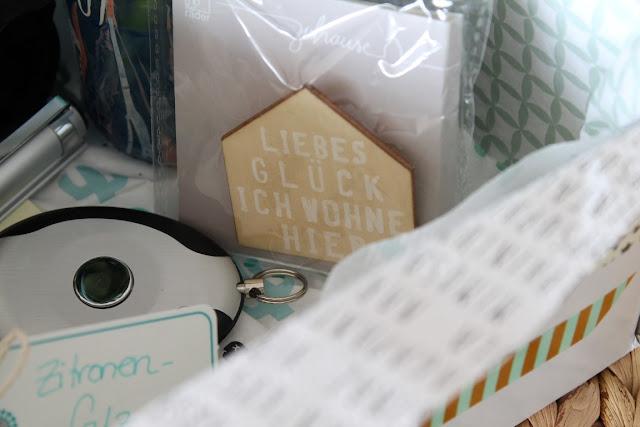 DIY Kiste Umzug Einzug to go Geschenk zum Einzug mal anders Jules kleines Freudenhaus