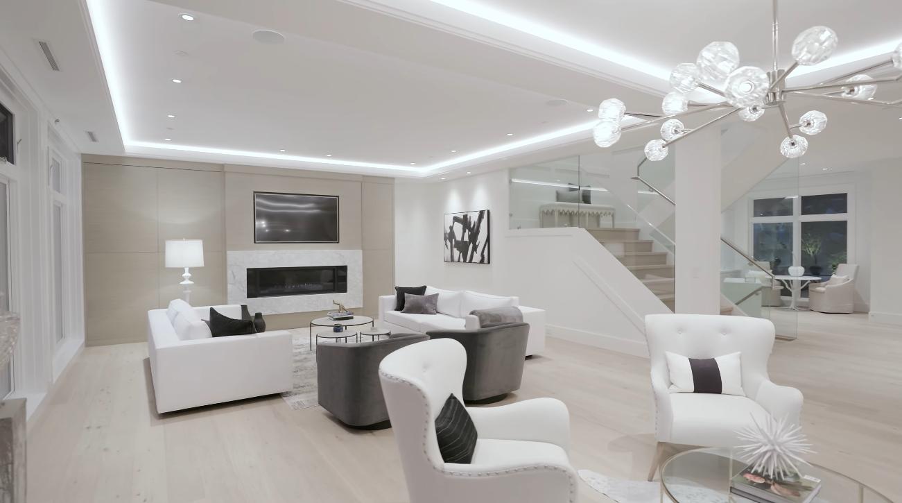 74 Photos vs. Luxury Contemporary Home In West Vancouver Interior Design Tour