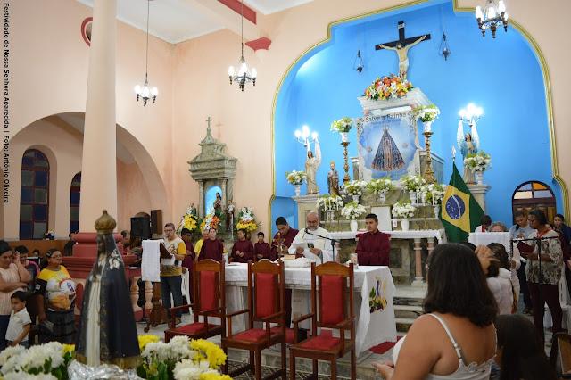 PADROEIRA: Nossa Senhora Aparecida é homenageada com procissão e missa em São Joaquim do Monte.