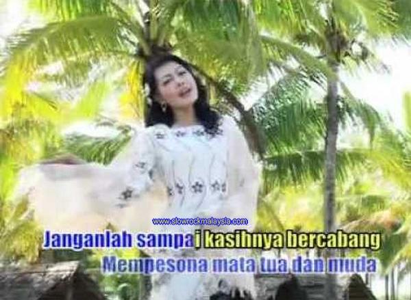 http://www.slowrockmalaysia.com/2016/11/pujangga-cinta-yelse-album-sebening.html