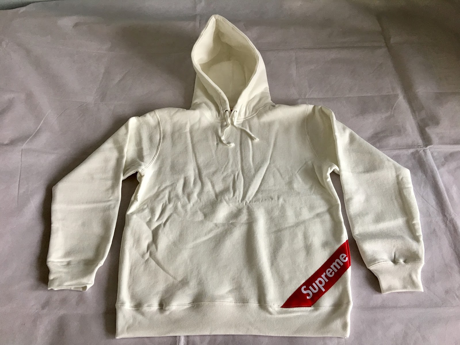 Biggest Streetwear Skateboarding And Fashion Clothing Brands Photo And Video Reviews Blog Supreme Corner Label Hooded Sweatshirt 18ss Review 22 02 2018 Week 1 Drop [ 1200 x 1600 Pixel ]