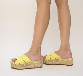 sandale cu talpa grosa galbene cu model impletit